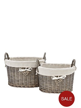 set-of-2-oval-baskets-with-heart-detail
