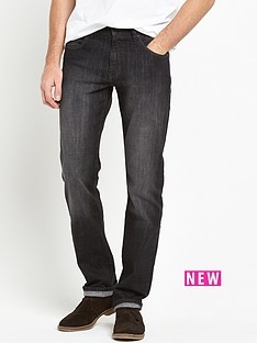 wrangler-regular-straight-jeans