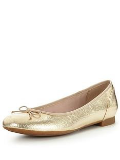 clarks-couture-bloom4-ballerina-shoe
