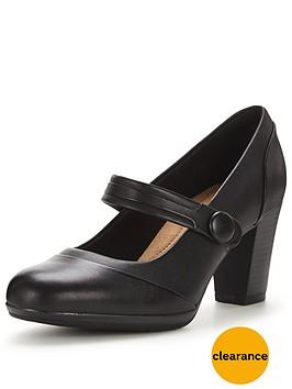 clarks-brynn-mare-mary-jane-shoe