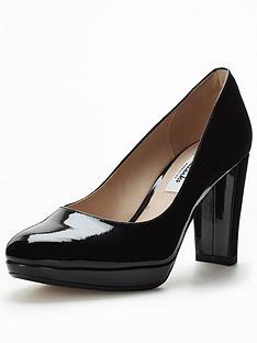 clarks-kendra-sienna-court-shoe