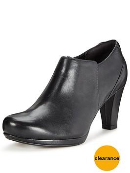 clarks-chorus-true-shoe-boot-black