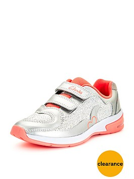 clarks-girls-piper-chat-strap-trainer