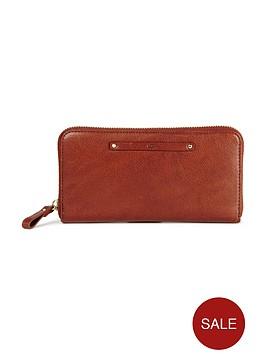 ugg-jenna-zip-around-purse-deep-mahogany