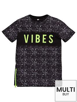 v-by-very-boys-paint-splat-vibes-side-zip-t-shirt