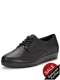 clarks-evie-bow-brogues