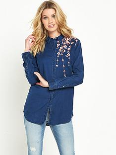 guess-guess-boyfriend-embroidered-blossom-denim-shirt