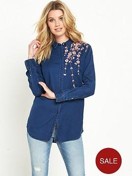 guess-guess-boyfriend-embroidered-blossom-denim-shirt