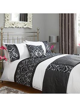 flock-damask-bed-in-a-bag-blackwhite