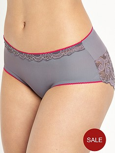 playtex-invisible-elegance-brief
