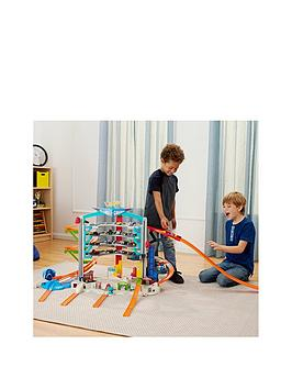 hot-wheels-ultimate-garage-playset