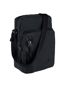 nike-core-small-items-30-bag