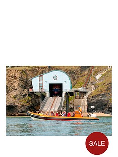virgin-experience-days-sealife-safari-boat-trip-for-two-adults-and-two-children