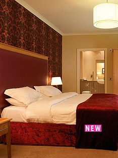 virgin-experience-days-one-night-break-with-dinner-for-two-at-farington-lodge-hotel