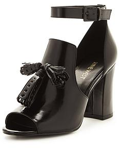 nine-west-bevy-tassel-chunky-cut-out-sandalnbsp