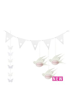 something-in-the-air-decorations-butterfly-garland-honeycombe-birds-heart-bunting