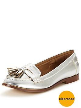 wallis-boyfriend-tassel-loafer