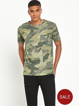 river-island-camo-print-pocket-t-shirt