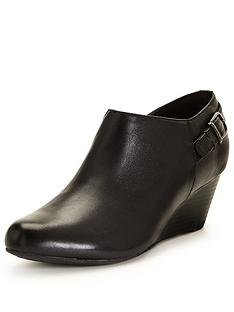 clarks-clarks-brielle-hip-wedge-shoe-boot