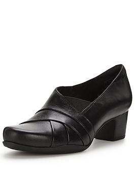 clarks-rosalyn-adele-court-shoe