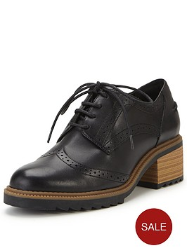 clarks-balmer-bella-low-heel-brogue