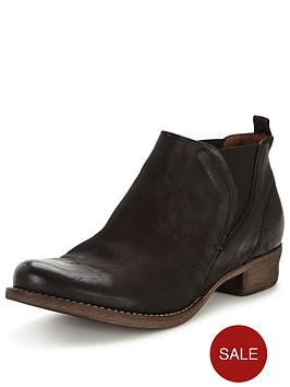 clarks-colindale-oak-ankle-boot