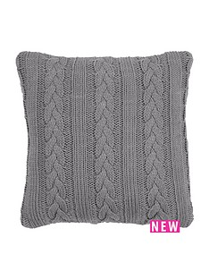 knitted-cable-cushion
