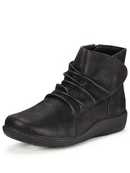 clarks-sillian-chell-ankle-boot
