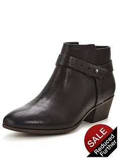 clarks-boylan-dawn-ankle-boot
