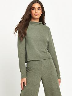 noisy-may-noisy-may-orla-funnel-neck-top