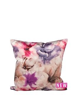 berries-floral-cushion