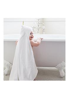 puj-hug-hooded-bath-towel