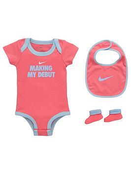 nike-baby-girls-3-pce-debut-gift-set