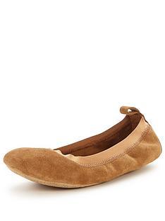 ugg-mitra-travel-slipper