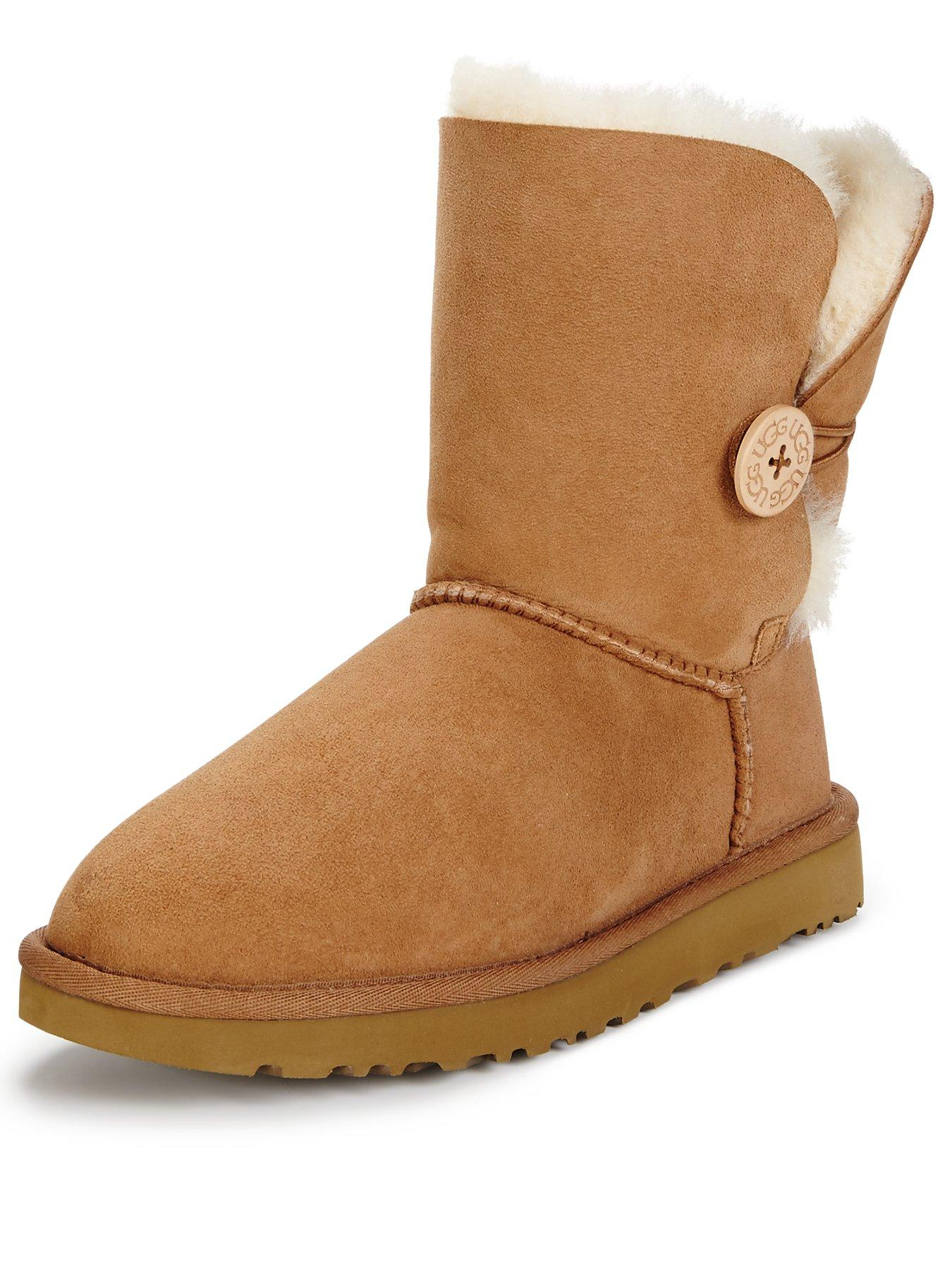 UGG boots are on many women's wishlists when it comes to Christmas, and they really pull together a Thanksgiving look when you're going for casual and cute while staying warm. Thrill a woman in your life with a furry, fluffy pair of these legendary boots or shoes that make her look forward to being chilly.