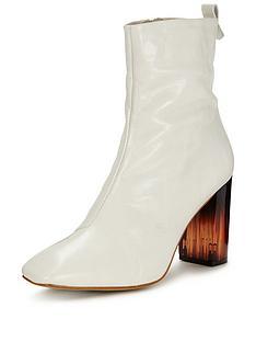 kg-strut-boot