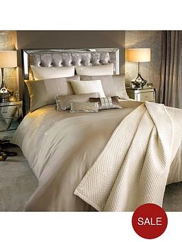 kylie-minogue-alba-housewife-pillowcase