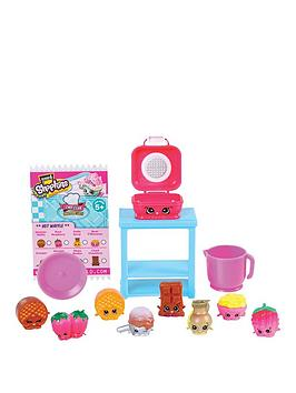 shopkins-shopkins-chef-club-deluxe-pack-hot-waffle-collection