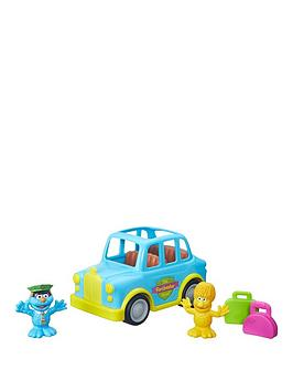 playmobil-the-furchester-hotel-monster-shuttle-from-playskool
