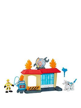 playskool-playskool-heroes-transformers-rescue-bots-griffin-rock-garage