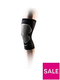 nike-pro-combat-hyperstrong-knee-sleeve