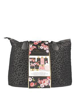 baylis-harding-boudoire-velvet-weekend-bag-gift-set