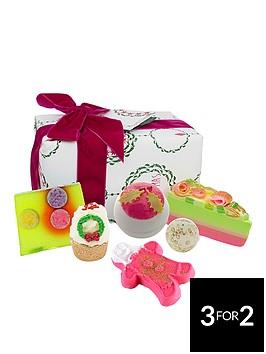 bomb-cosmetics-holly-soaks-gift-set