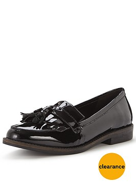 office-frazzle-tassel-loafer
