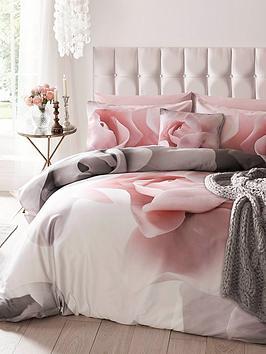 ted-baker-porcelain-rose-cotton-220-thread-count-duvet-cover