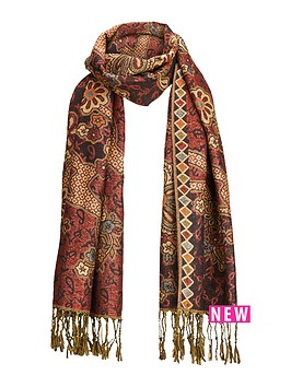 joe-browns-winters-dream-scarf