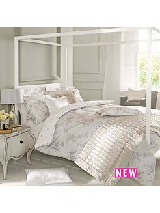 holly-willoughby-fauna-double-duvet