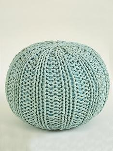 knitted-pouffe