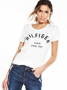hilfiger-denim-logo-t-shirt