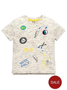 mini-v-by-very-boys-badge-and-print-t-shirt